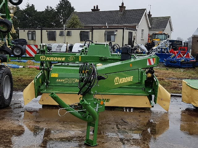 Krone 320 Easicut Trailed Mower with Conditioner and Grouper